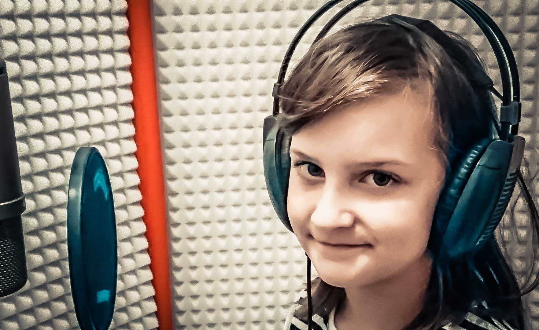 Adela Krošláková – Menová (Letí pieseň, letí 2016)