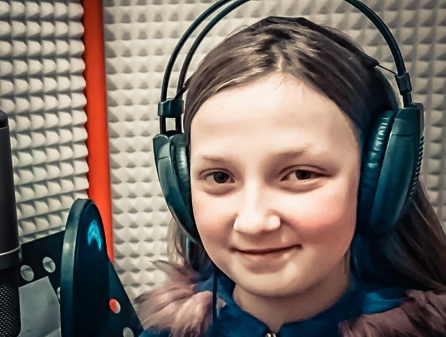 Anabela Košútová – Včielka malá (Letí pieseň, letí 2016)