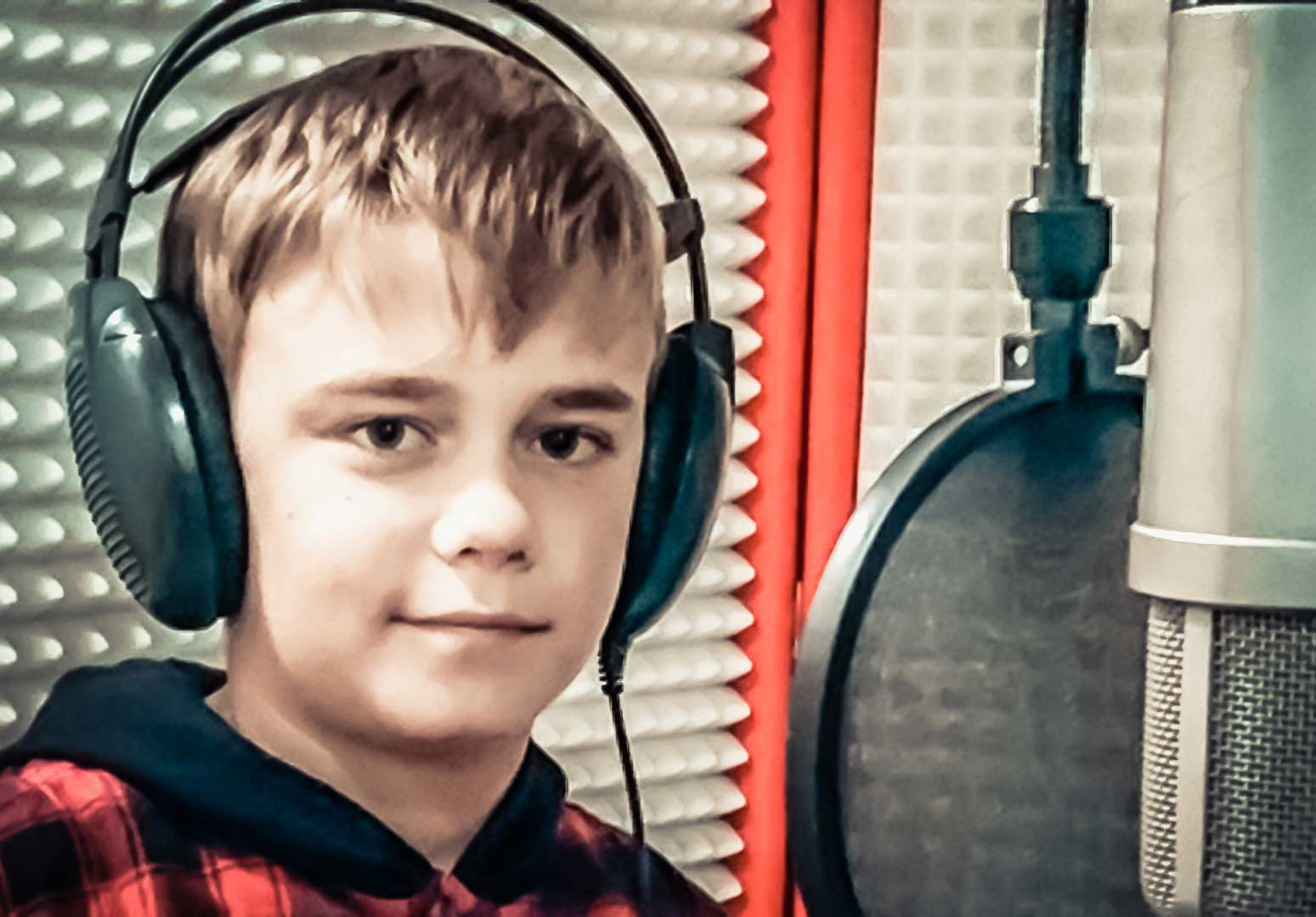 Daniel Sretenović – Ako ďateľ a slávik založili bend (Letí pieseň, letí 2017)